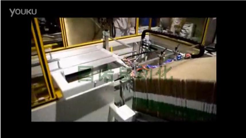 视频: 中山伊利自动化包装流水线 自动装箱机现场操作视频