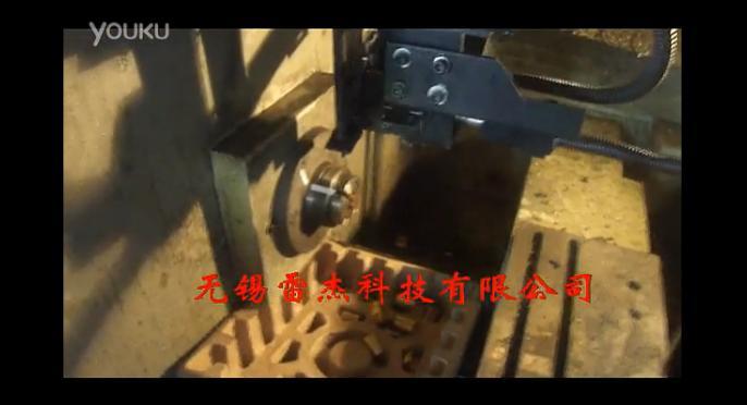 视频: 自动数控车-锁芯-机械臂送料-自动吹净夹头